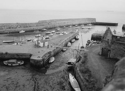 Figure 9: Dysart Harbour, a fine example of a longstanding vernacular harbour, developed and refined through the innovations of eminent engineers of the day, with a surviving example of a Patent Slip ©RCAHMS.