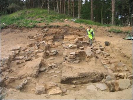 Figure 15: Eldbotle, East Lothian. View of a medieval building under excavation at the deserted village of Eldbotle. This site has survived due to sand-blow covering the site. The superstructure of the buildings are typically of perishable materials that do not survive © Piers Dixon