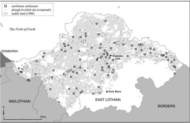 A map of East Lothian showing the scattered distribution of rectilinear settlements, plough levelled sites with cropmarks and areas of arable land